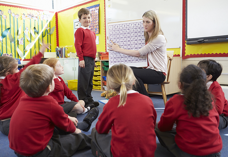 Enhancing Subject Knowledge for Teaching Assistants in Primary Mathematics KEY STAGES 1 & 2